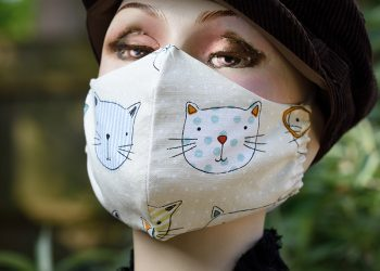 Face mask with cats design.