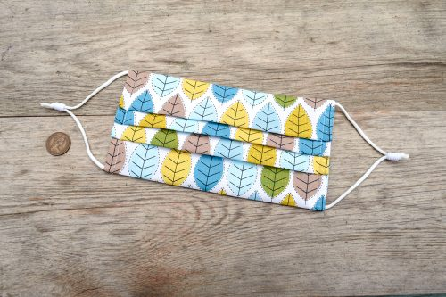Spring leaves face mask, with nose wire and filter pocket. 100% cotton