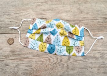 Spring leaves face mask, with nose wire and filter pocket. 100% cotton.