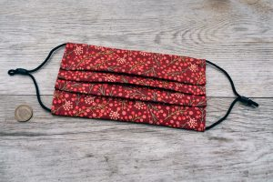 New Forest winter, red berries face mask. Washable, 100% cotton, nose wire, filter pocket. Adjustable ear loops